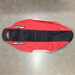 Potah sedla BudRacing Seat Cover FullTraction CRF250R 10-13 / CRF450R 09-12 BlackRed Bud logo