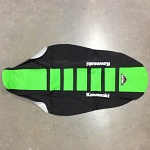 Potah sedla BudRacing Seat Cover FullTraction Kawasaki KX85 14-.. GreenBlack+Stripes Kawa Logo