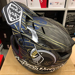 Downhill helma TroyLeeDesigns D4 Carbon Helmet MIPS Eyeball Limited Edition 2020