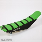 Potah sedla BudRacing Seat Cover FullTraction Kawasaki KX250F / KX450F BlackGreen Stripes BUD logo